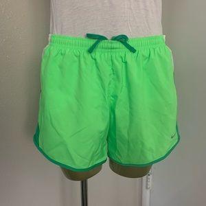 Girl's Nike shorts 👟